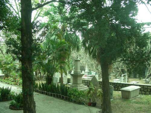 0012e_cemetery