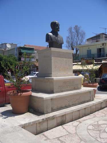 02a_statue